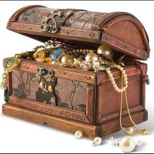 Jewelry - Treasure bundle Reserved